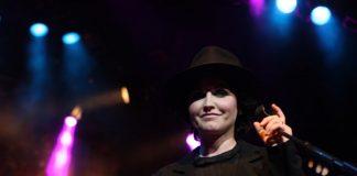 Dolores O'Riordan, do The Cranberries, em 2012