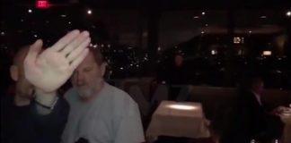 Harvey Weinstein é agredido em restaurante
