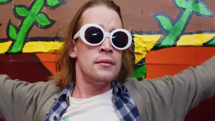 Macaulay Culkin em clipe de Father John Misty