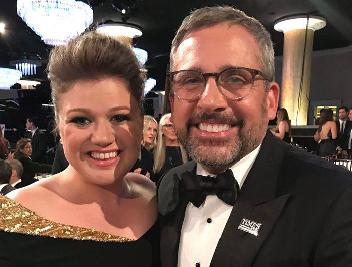 Steve Carell e Kelly Clarkson no Globo de Ouro