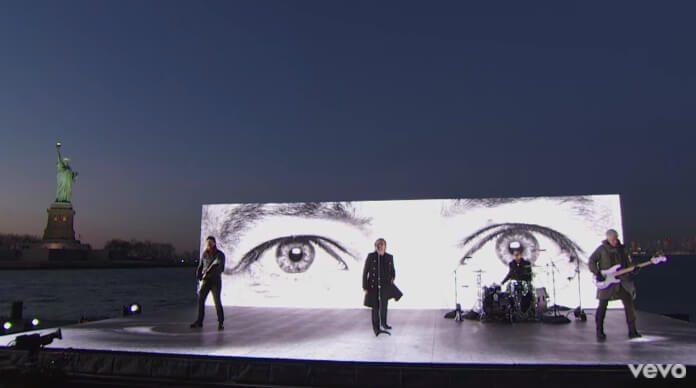 U2 grava clipe em Nova York