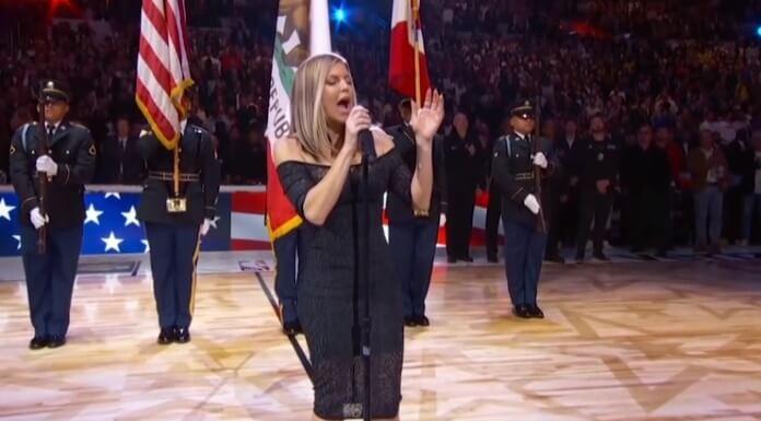 Fergie se explica após performance desastrosa do hino norte-americano