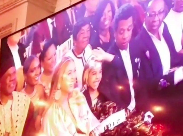Jay-Z, Beyoncé e Blue Ivy em leilão de arte
