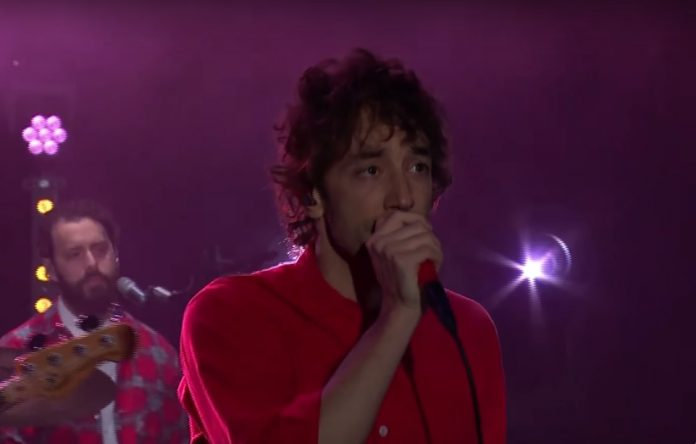 Albert Hammond Jr. no programa de James Corden