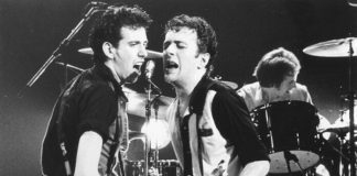 Mick Jones e Joe Strummer, do The Clash
