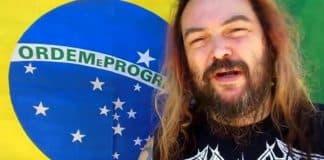 Max Cavalera com a bandeira do Brasil