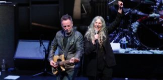 Patti Smith e Bruce Springsteen em show