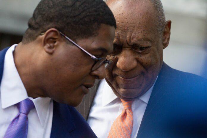 Bill Cosby chegando a julgamento