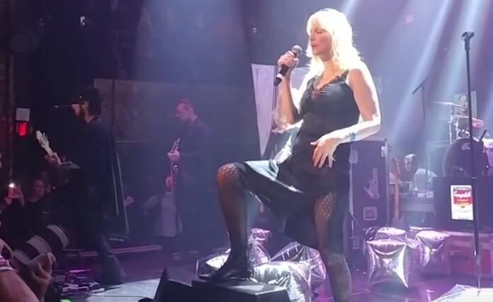 Courtney Love com Dave Navarro