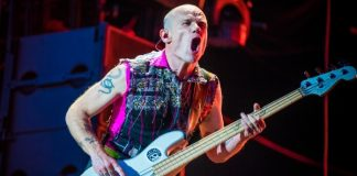 Flea, do Red Hot Chili Peppers, na Alemanha em 2016