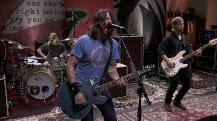 Foo Fighters toca Wasting Light nos estúdios 606