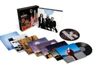 Caixa com discos de vinil do The Killers