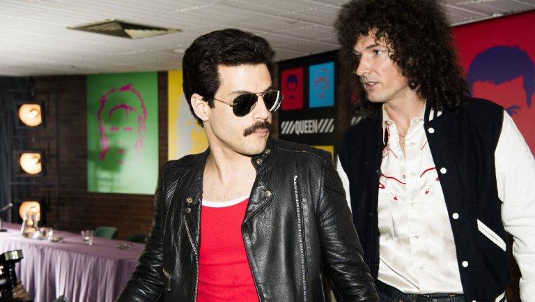 Rami Malek e Gwilym Lee em Bohemian Rhapsody