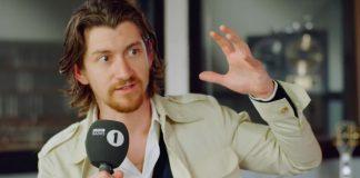 Alex Turner, do Arctic Monkeys, em entrevista