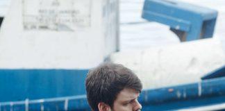 """Daniel Villares reflete sobre a depressão no clipe de """"O Que o Vento Traz"""""""