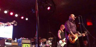 Mike McCready reune membros RHCP, Guns em show
