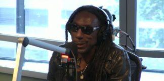 Boyd Tinsley em programa de rádio