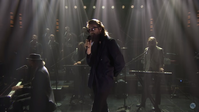 Father John Misty no programa de Jimmy Fallon