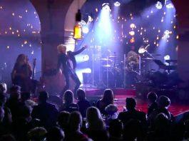 Membros do Refused e Scorpions tocam Metallica
