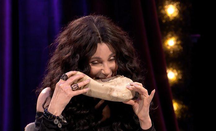Cher come língua de vaca