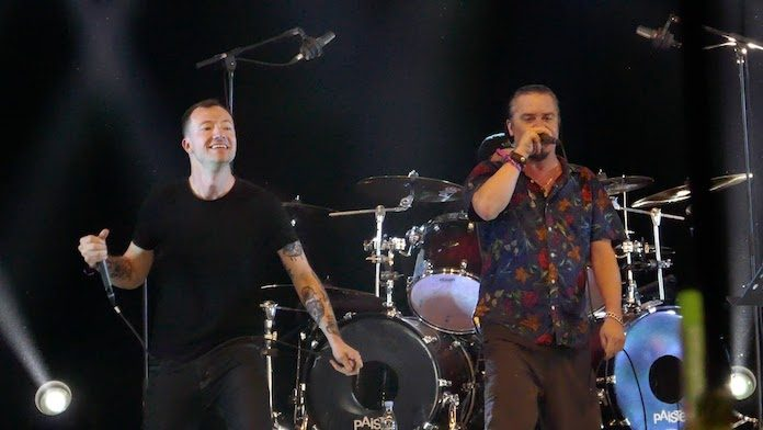 Dead Cross toca com Jeremy Bolm, do Touché Amoré