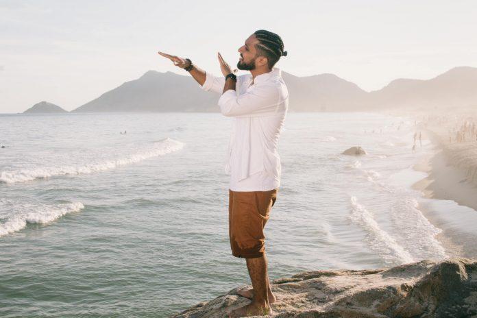 Rashid - Pés na Areia