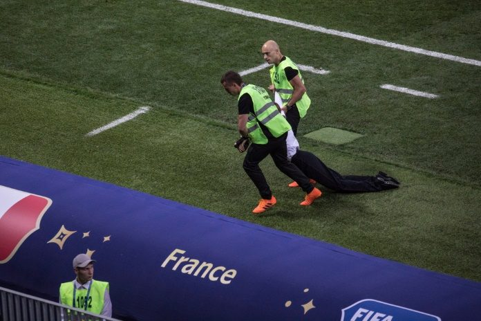 Invasão do Pussy Riot na Copa do Mundo