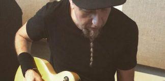 Shavo Odadjian em estúdio com John Dolmayan