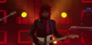 Twin Shadow se apresenta no Conan