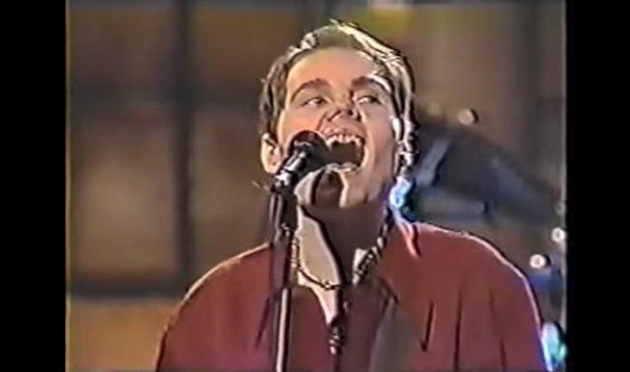 Billy Corgan (Smashing Pumpkins) no SNL em 1993