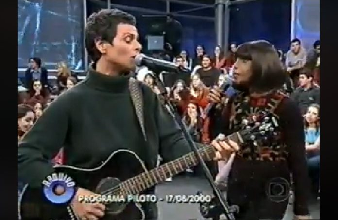 Cássia Eller e Elza Soares no Altas Horas em 2000