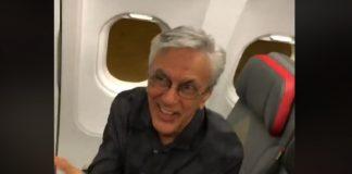 Caetano Veloso homenageado em avião