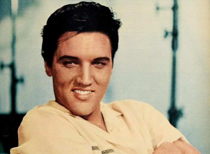 Você sabia que Elvis Presley denunciou os Beatles só pra ganhar um ... 781bd71176