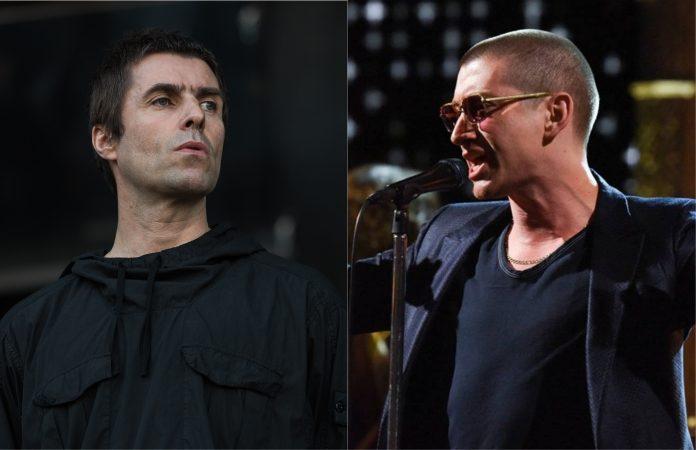 Liam Gallagher (Oasis) e Alex Turner (Arctic Monkeys)