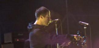 Liam Gallagher dando bronca em segurança