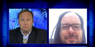 Vocalista do KoRn no Infowars