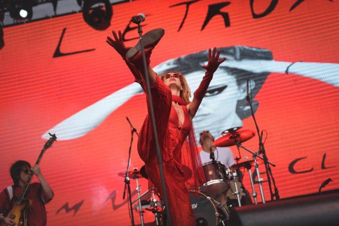 Letrux no Festival Queremos!