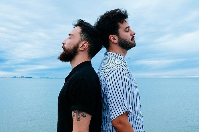 """Cais mostra a solidão de um casal gay recém-separado em """"Estrada"""""""