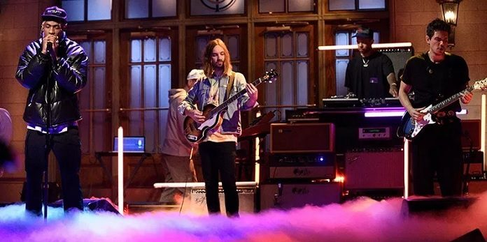 Travis Scott, Kevin Parker (Tame Impala) e John Mayer no SNL