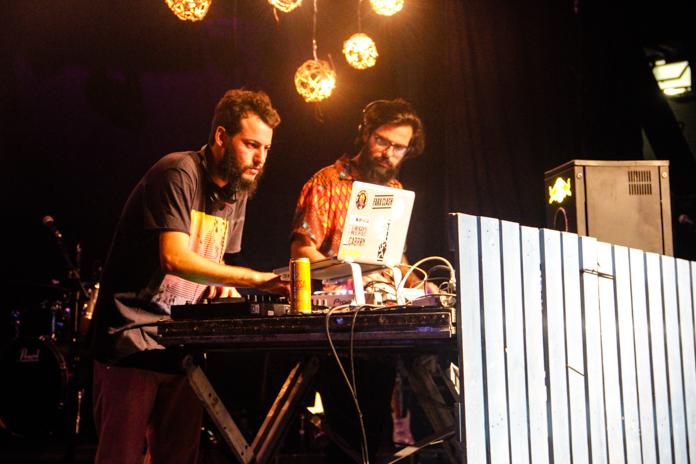 DJ Eppinghaus e DJ Mellow no Festival Pipoca