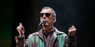 Arnaldo Antunes no show dos Tribalistas
