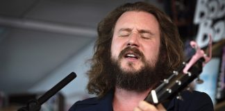 Jim James no Tiny Desk, da NPR