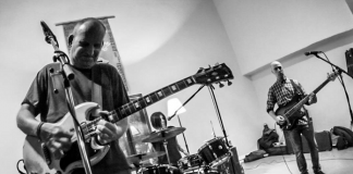 ian-mackaye-new-band-live-debut-footage-dischord