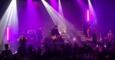 Josh Klinghoffer com membros de Red Hot Chili Peppers e Pearl Jam