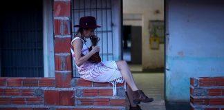 """Daíra no clipe de """"Princesa do Meu Lugar"""""""