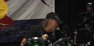 Lars Ulrich (Metallica) cantando Judas Priest