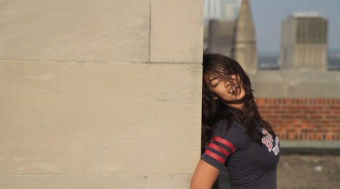 Alexandria Ocasio-Cortez no clipe da música do Phoenix