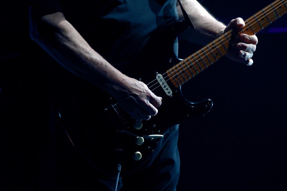 David Gilmour com sua guitarra