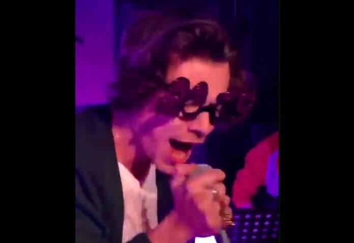 Harry Styles canta Nirvana