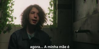 Lucas Jagger em vídeo de Sex Education